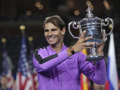 Radosť Rafu Nadala po zisku 19. grandslamového titulu