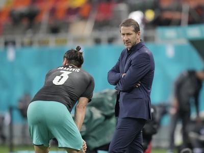 Aleksandar Dragovic diskutuje s trénerom Francom Fodom