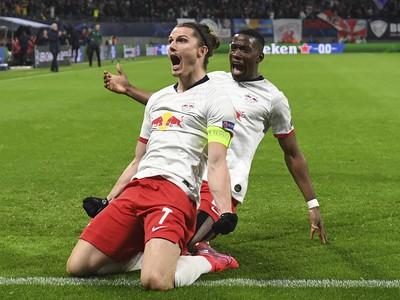 Hráči Lipska počas gólovej