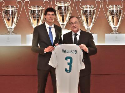 Jesús Vallejo s dresom