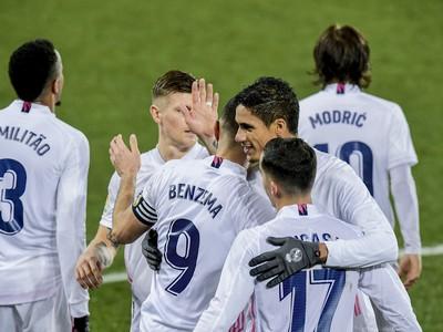 Hráči Realu Madrid oslavujú gól