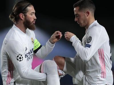 Sergio Ramos a Lucas Vázquez oslavujú víťazný gól Realu