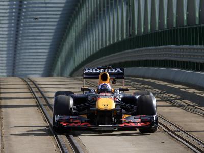 Monopost F1 tímu Red Bull Racing na Starom Moste.