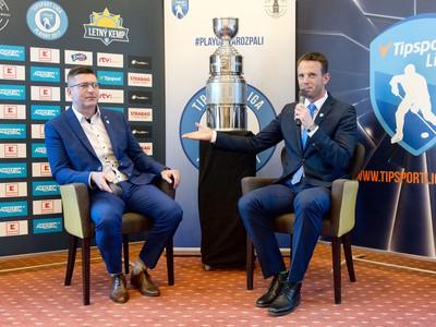 Richard Lintner a vľavo generálny riaditeľ Tipsport Slovensko Jaroslav Taraba