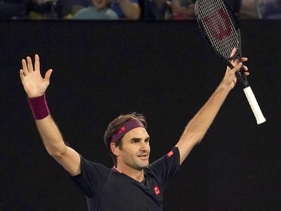 Roger Federer zvíťazil po