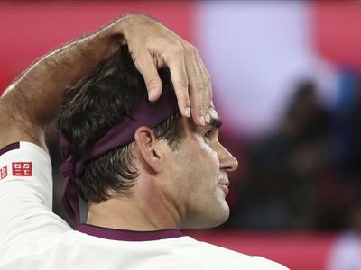 Roger, popravuješ si hlavu?