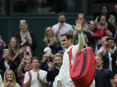 Roger Federer opúšťa kurt