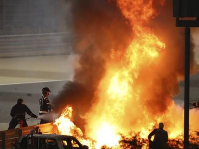 Grosjeanov monopost zachvátili požiare