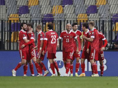 Ruskí futbalisti oslavujú gól