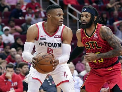 Russell Westbrook  a DeAndre' Bembry