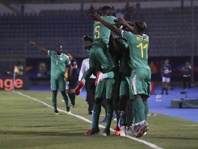 Senegal oslavuje postup do