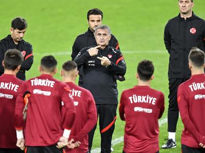 Tréner Turecka Senol Günes