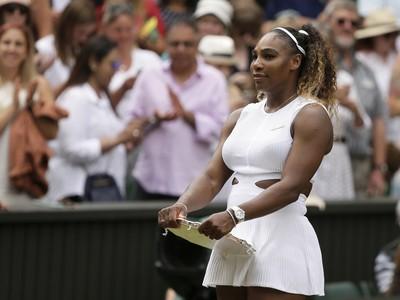 Serena Williamsová s trofejou