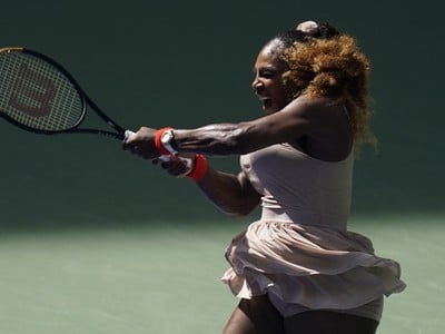 Serena Williamsov� v osemfin�le US Open