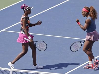 Sestry Williamsové v štvrťfinále