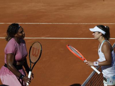 Serena Williamsová a Nadia Podoroská