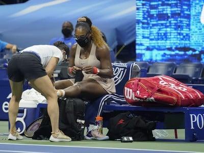 Ošetrovaná Serena Williamsová v