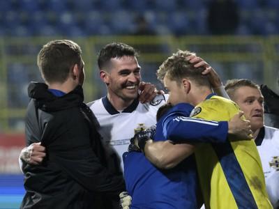 Radosť hráčov Severného Írska po postupe do finále baráže o EURO 2020