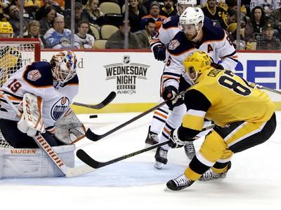 Sidney Crosby útočí