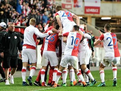 Víťazné oslavy futbalistov pražskej