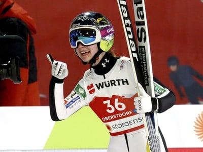 Slovinská skokanka na lyžiach
