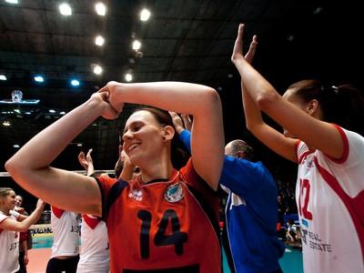 Víťazné oslavy volejbalistiek Slávie