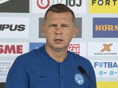 Tréner futbalovej reprezentácie SR