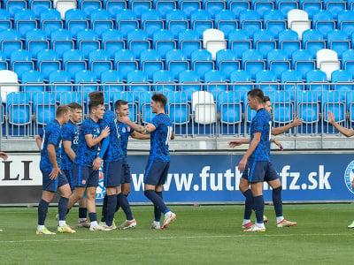 Na snímke radosť hráčov Slovenska po druhom góle v zápase kvalifikácie C-skupiny na ME 21 mužov vo futbale Slovensko - Malta
