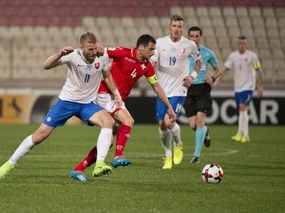 Na snímke vľavo v popredí Adam Nemec (Slovensko) a vpravo Gareth Sciberras (Malta)
