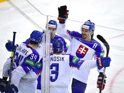 Slovenskí hokejisti sa radujú