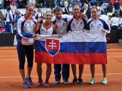 Slovenky sa tešia po vyhratom štvrtom zápase Pohára federácie - Fed Cupu