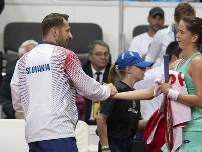 Na snímke slovenská tenistka Viktória Kužmová sa raduje z víťazstva nad Beatriz Haddadovou Maiovou z Brazílie