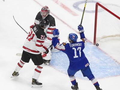 Slováci sa tešia z gólu v zápase proti Kanade