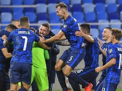 Slovenskí futbalisti po víťazstve nad Írskom
