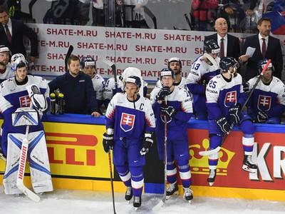 Slovenskí hokejisti na striedačke