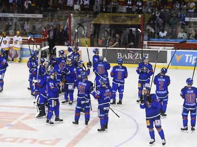 Hokejisti Slovenska ďakujú fanúšikom