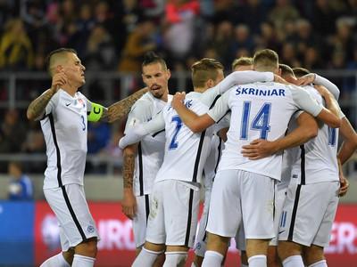 Slovenská reprezentácia oslavuje gól