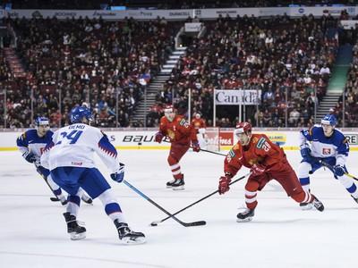 Ruský hokejista Grigorij Denisenko