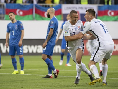 Stanislav Lobotka a Róbert Boženík sa tešia po strelení úvodného gólu