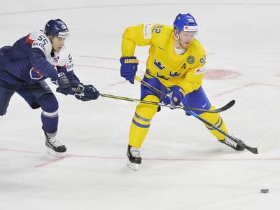 Mário Bližňák  (Slovensko) a Gabriel Landeskog (Švédsko) v súboji