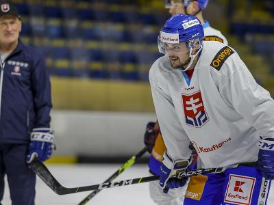 Hokejista Martin Bučko počas prípravného kempu slovenskej hokejovej reprezentácie.
