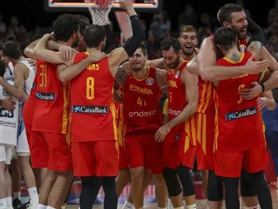 Španielski basketbalisti sa tešia po víťazstve nad Argentínou vo finále majstrovstiev sveta v basketbale mužov