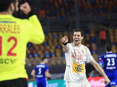 Španieli získali bronz po triumfe nad Francúzskom