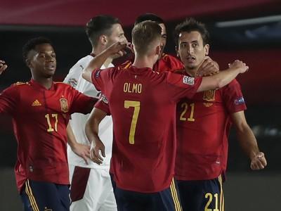 Gólové oslavy hráčov Španielska