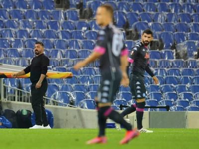 Tréner SSC Gennaro Gattuso a v popredí Stanislav Lobotka