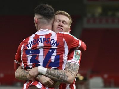 Hráči Stoke sa radujú z gólu