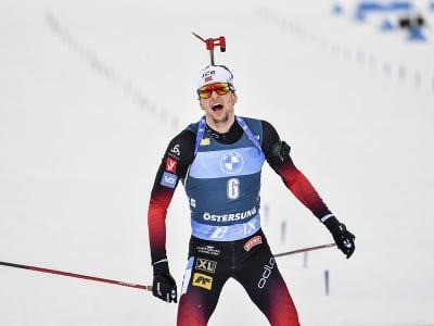 Nórsky biatlonista Sturla Holm