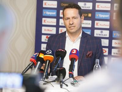 Prezident SZĽH Martin Kohút počas tlačovej besedy o zhodnotení svojho trojročného funkčného obdobia ako šéfa Slovenského zväzu ľadového hokeja
