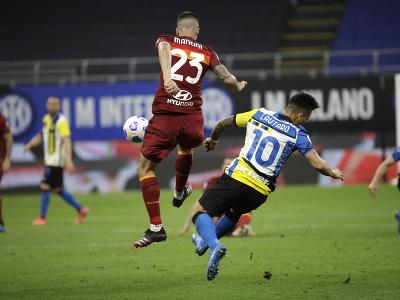 Gianluca Mancini a Lautaro Martínez
