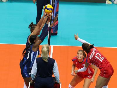 Vpravo slovenská hráčka Nikola